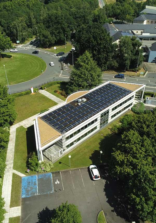 superficie des centrales photovoltaïques